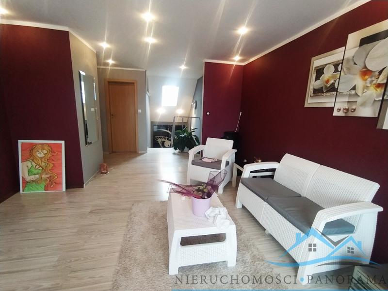 Jelenia Góra, dolnośląskie, Polska, 5 Bedrooms Bedrooms, ,2 BathroomsBathrooms,Domy,Na sprzedaż,3594